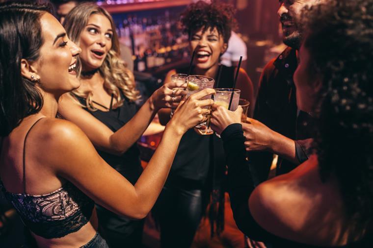 Quantas calorias têm as bebidas alcoólicas?
