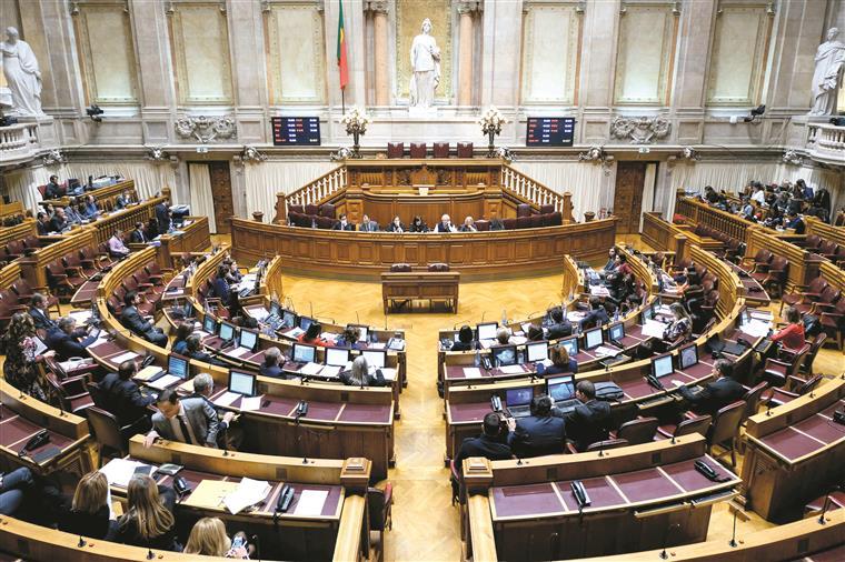 Deputados pagam do próprio bolso despesas do seu grupo parlamentar