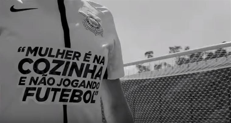 Jogadoras Do Corinthians Entraram Em Campo Com Frases