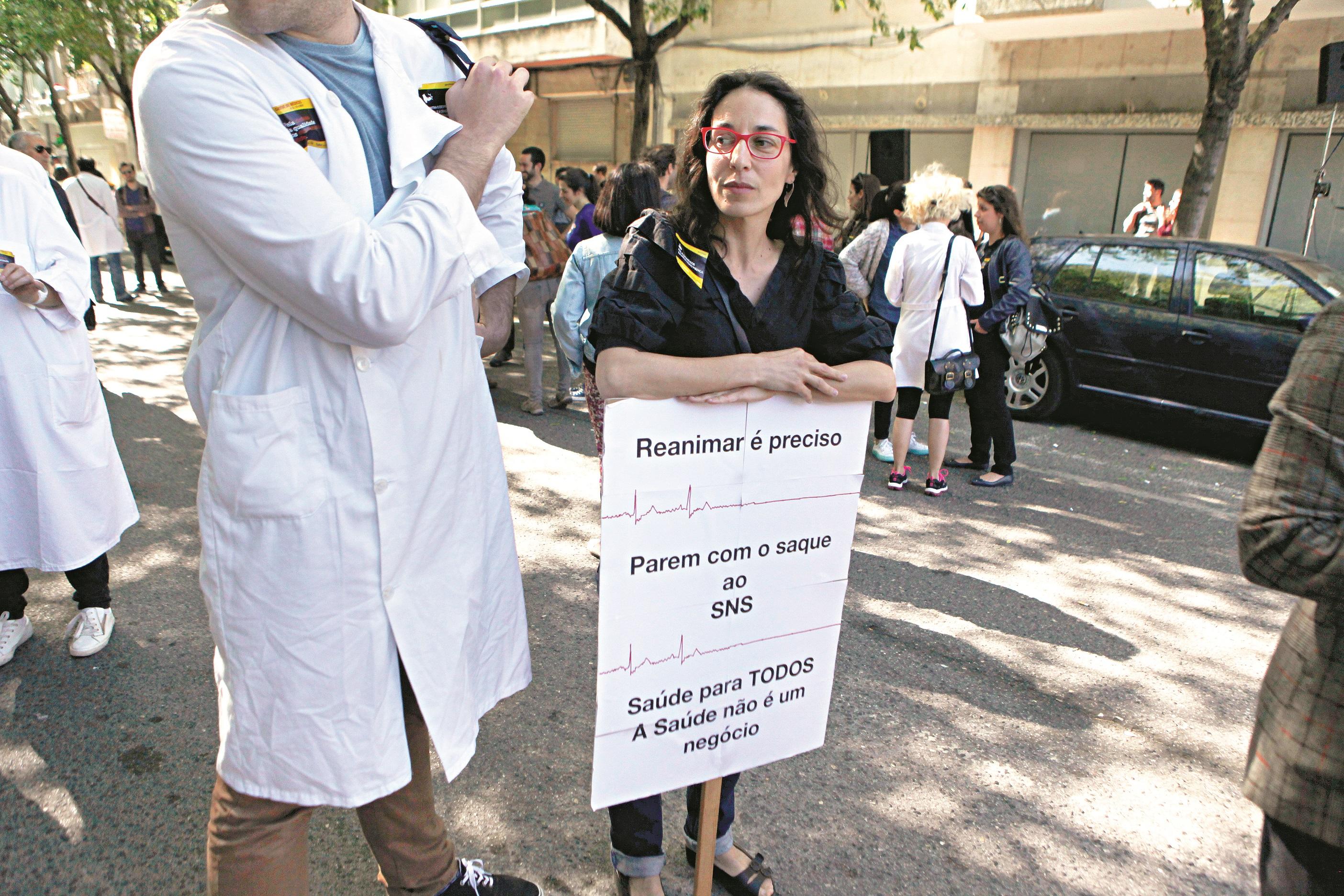 Ministro da Saúde respeita greve dos médicos