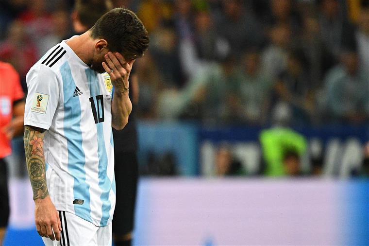Derrota da Argentina acaba em confrontos com os adeptos brasileiros