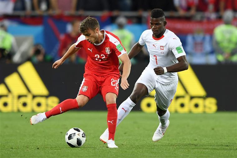 Suíça iguala Brasil na liderança do grupo E depois de vitória sobre a Sérvia