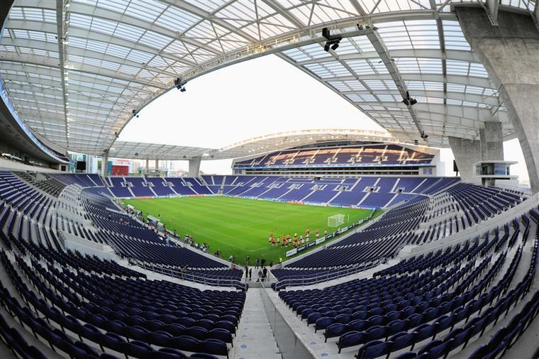 Porto empatou no jogo de apresentação