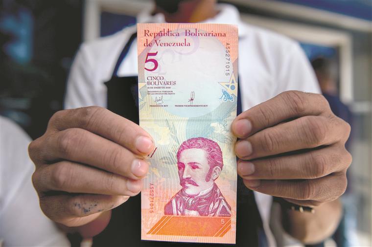 Venezuela. Nova moeda tem menos cinco zeros e um protesto antecipado