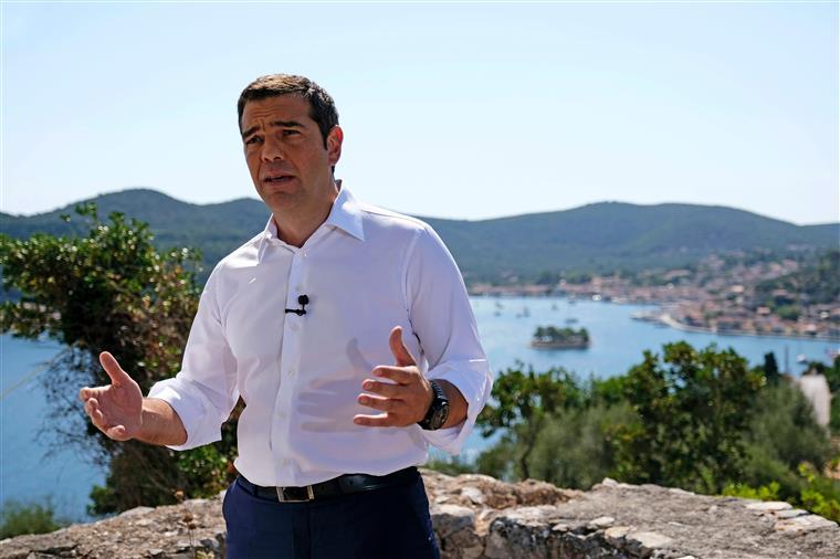 Grécia. 'A Odisseia moderna que o nosso país atravessou desde 2010 terminou', diz Alex Tsipras
