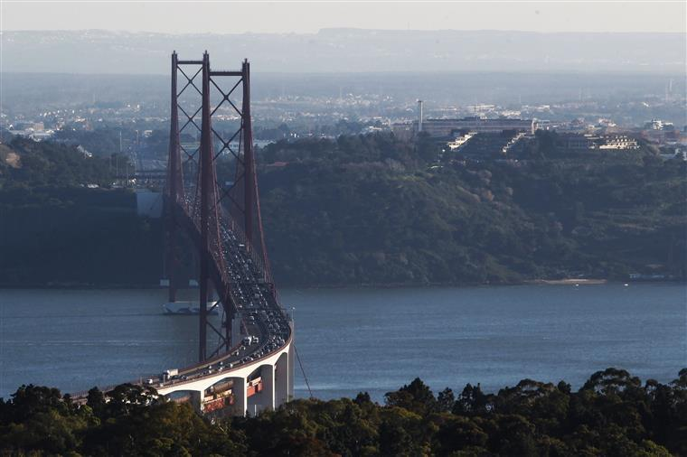 PCP quer saber o 'ponto da situação das infraestruturas em Portugal'