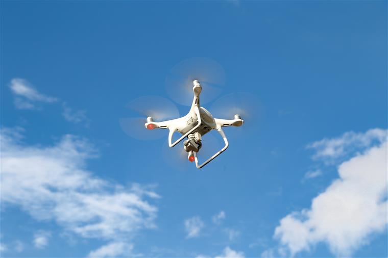 Aeroporto de Lisboa. Drone invade espaço aéreo e cai na pista