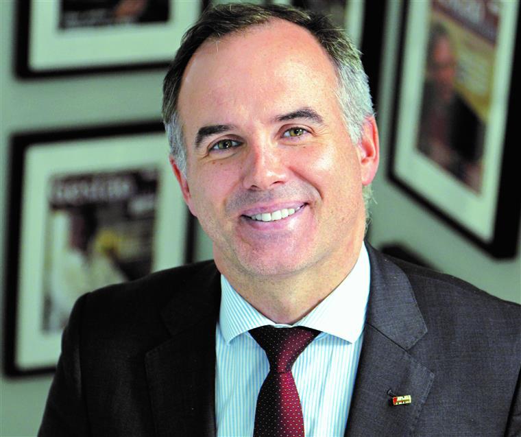 Alexandre Lourenço. 'Os hospitais não podem ser confundidos com repartições de Finanças'