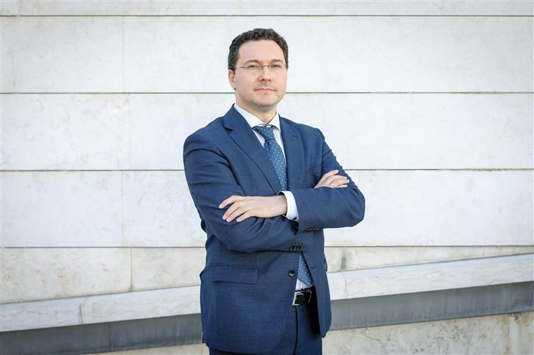 """Daniel Mitov. """"Sem os Balcãs ocidentais a Europa estará incompleta"""""""