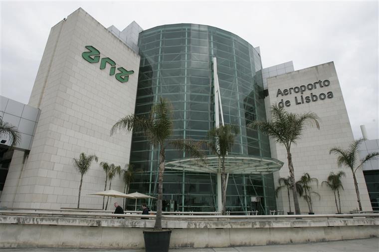 Companhias já foram informadas de fecho noturno do Aeroporto de Lisboa no próximo ano