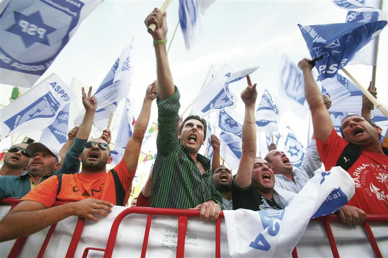 Manif. Mais de dez mil polícias em protesto numa missão que pode ser  de alto risco
