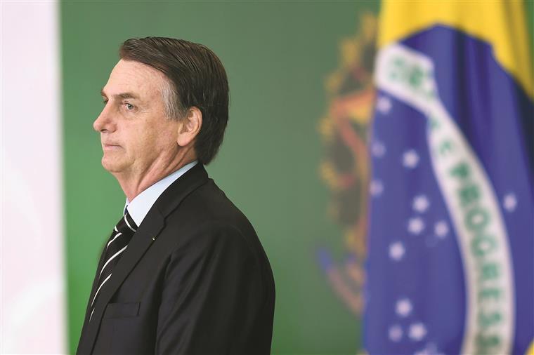 Bolsonaro afirma que desflorestação não vai acabar porque faz parte da cultura brasileira