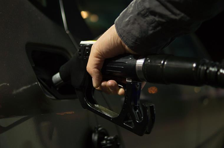 Post-it. Poupar dinheiro em combustível
