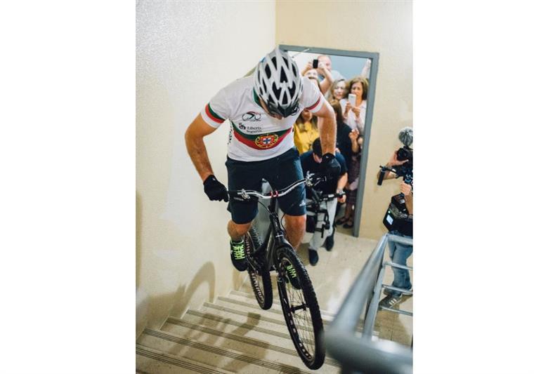 Português vai subir de bicicleta o Parlamento Europeu