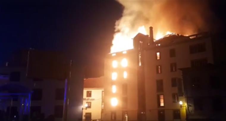 Violento incêndio no centro do Funchal