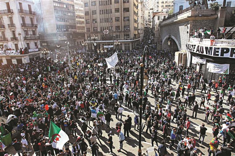 07ce77d5b Revolução. Vem aí uma segunda Primavera Árabe?