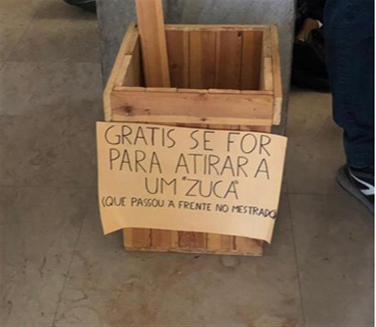 Cartazes Com Mensagens Xenófobas Na Faculdade De Direito De Lisboa