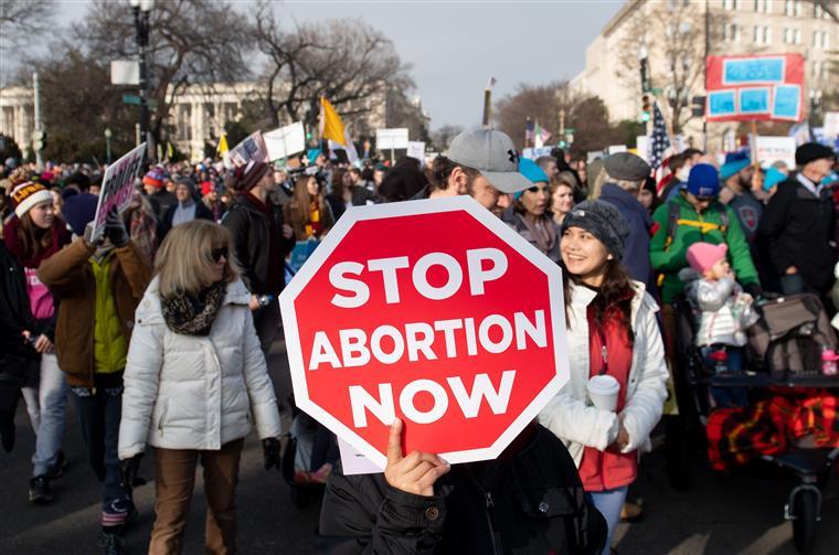 Proibição do aborto aprovada no Alabama