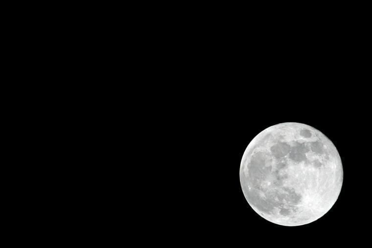 NASA revela que Lua está a encolher