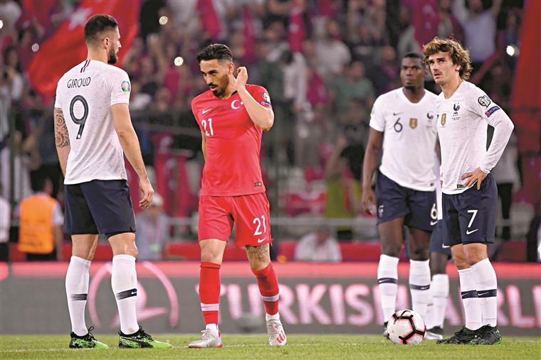 Giroud, Griezman e Pogba: os campeões do mundo caíram com estrondo em Istambul