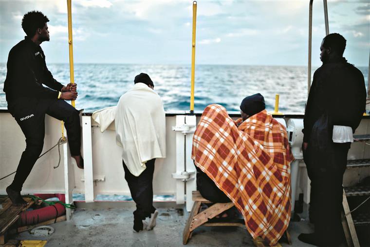 Portugal acolhe mais dez migrantes