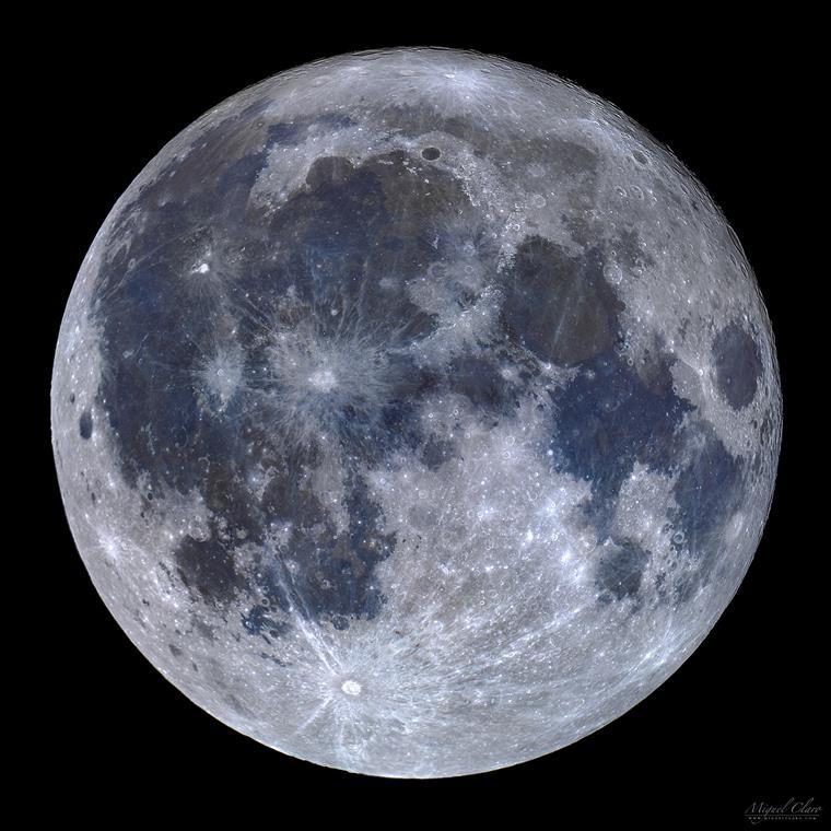 Lua de Titânio