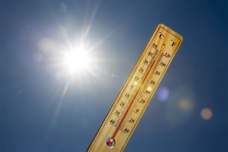 Resultado de imagem para Fim de semana com temperaturas amenas no litoral e perto dos 40 no interior