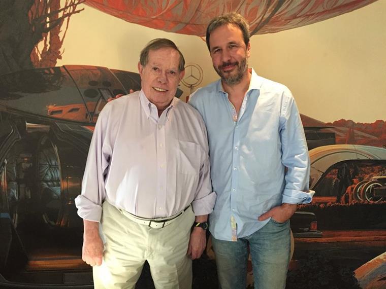 Syd Mead com Denis Villeneuve, realizador de Blade Runner 2049