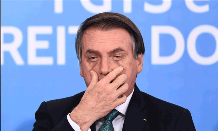 Bolsonaro, sem medo do vírus nem da caneta, deverá demitir ministro da Saúde