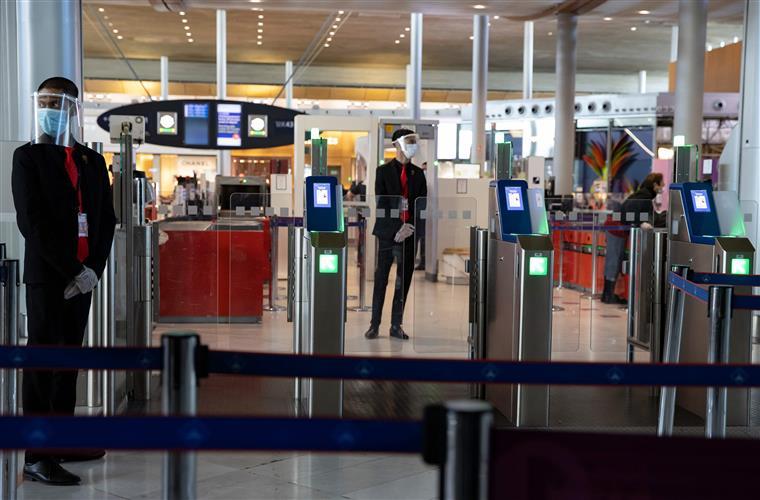 Mãe e bebé portugueses libertados de aeroporto em França