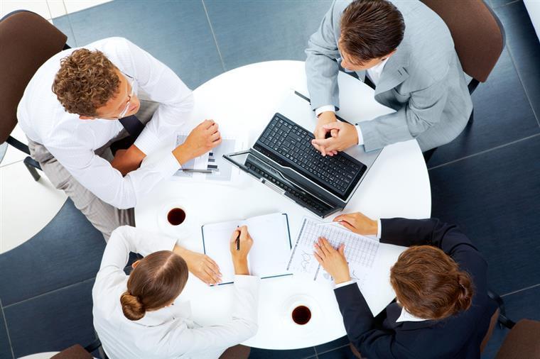 Estudo indica que 64% empresas querem manter ou aumentar número de colaboradores em 2021