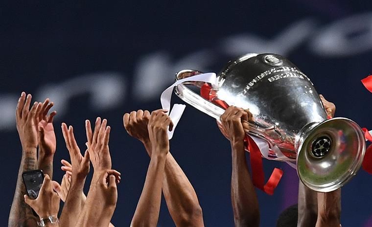 Imagem da vitória do Bayern Munique na final de 2020