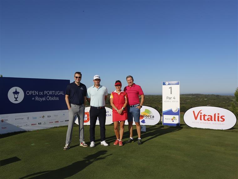 A equipa vencedora do Pro-Am com Ricardo Melo Gouveia;