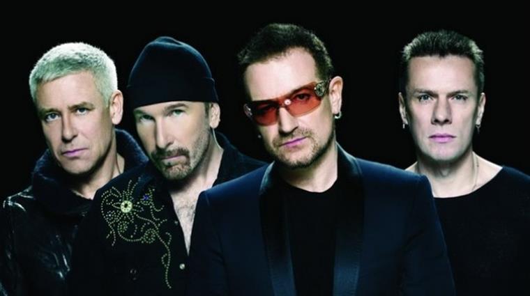 f5d12f229 Bono Vox usa sempre óculos de sol. Mas porquê?